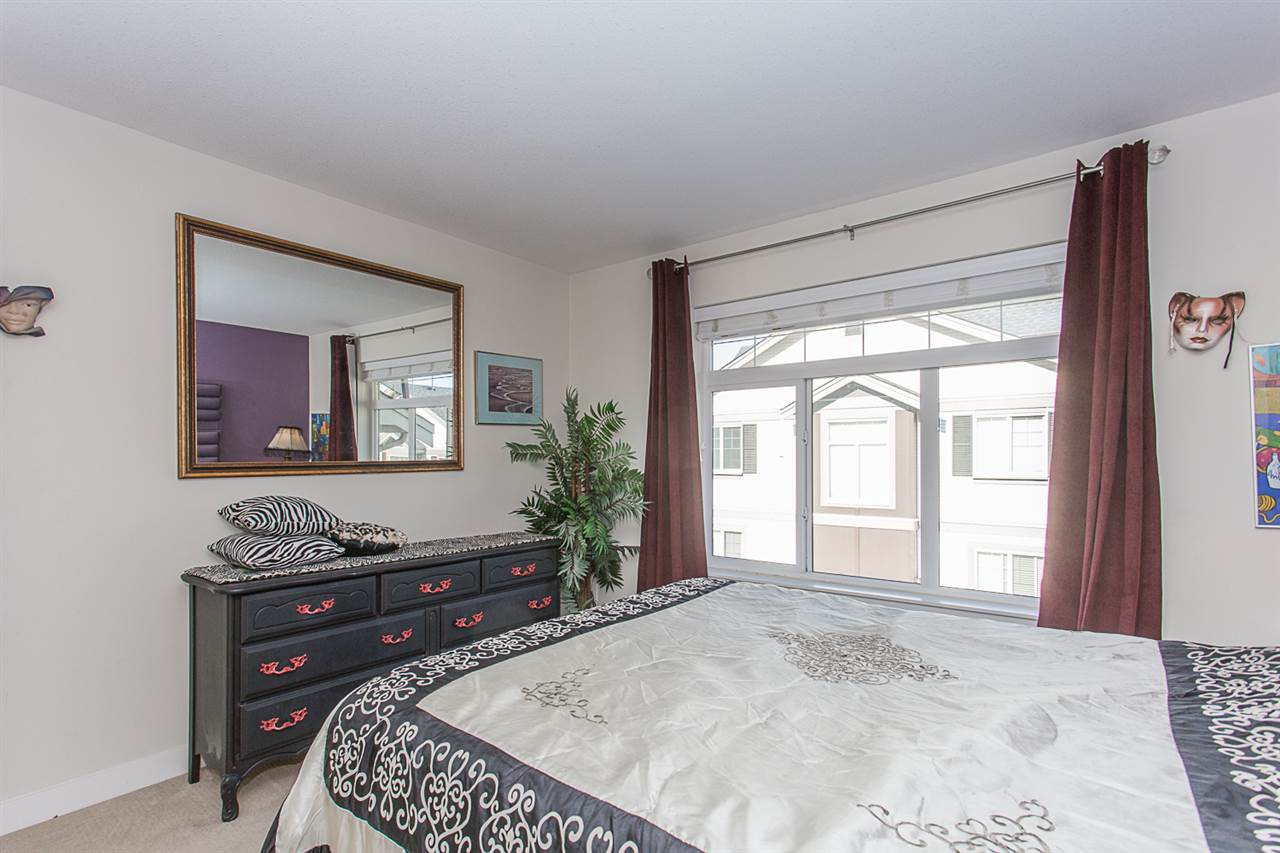 "Photo 9: Photos: 3 14377 60 Avenue in Surrey: Sullivan Station Townhouse for sale in ""Blume"" : MLS® # R2218817"