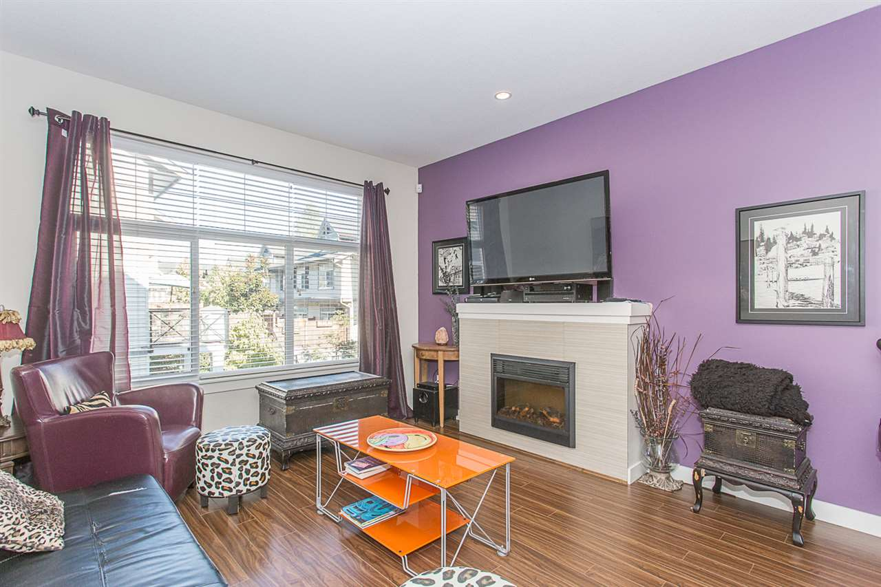 "Main Photo: 3 14377 60 Avenue in Surrey: Sullivan Station Townhouse for sale in ""Blume"" : MLS® # R2218817"