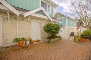 "Main Photo: 10 123 SEVENTH Street in New Westminster: Uptown NW Townhouse for sale in ""ROYAL CITY TERRACE"" : MLS® # R2223388"