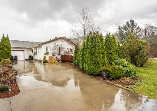 Main Photo: 1209 JUDD Road in Squamish: Brackendale House 1/2 Duplex for sale : MLS® # R2224655