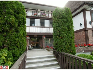 "Main Photo: 206 1444 MARTIN Street: White Rock Condo for sale in ""Martinview Manor"" (South Surrey White Rock)  : MLS® # F1123534"