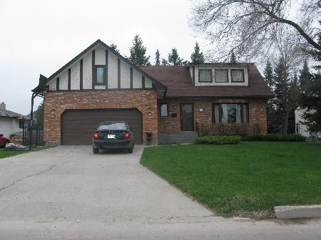 Main Photo: 412 BONNER Avenue in Winnipeg: Residential for sale (Algonquin Estates)  : MLS® # 1110512