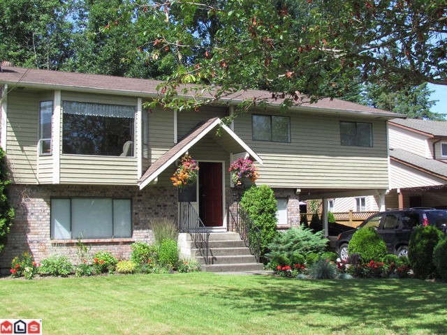 "Main Photo: 8839 156A ST in Surrey: Fleetwood Tynehead House for sale in ""FLEETWOOD"" : MLS(r) # F1327027"