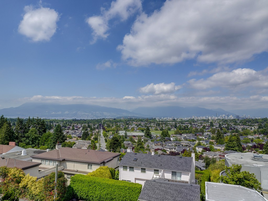 Main Photo: 2701 W 30TH Avenue in Vancouver: MacKenzie Heights House for sale (Vancouver West)  : MLS® # V1071570
