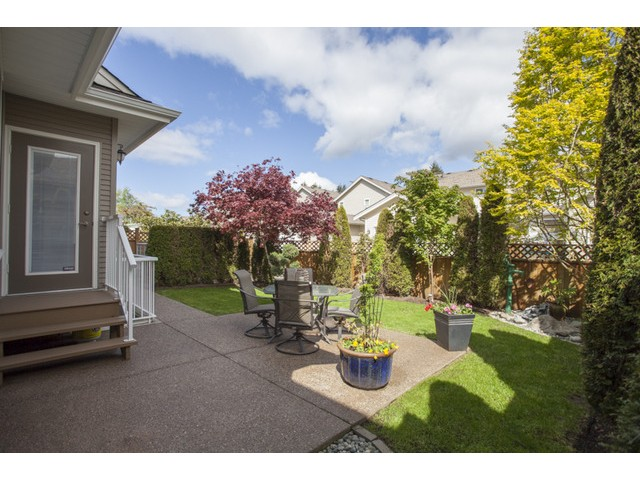 "Photo 17: 15691 23A Avenue in Surrey: Sunnyside Park Surrey House for sale in ""CRANLEY GATE"" (South Surrey White Rock)  : MLS(r) # F1439937"