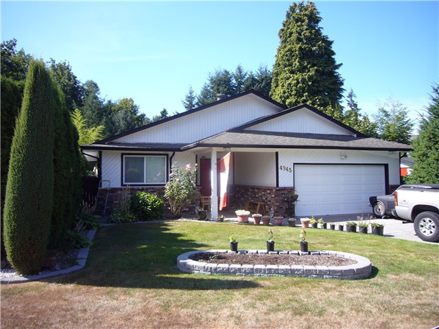 Main Photo: 4945 198B Street in Langley: Langley City House for sale : MLS®# F1448685