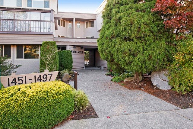 "Main Photo: 1459 MERKLIN Street: White Rock Townhouse for sale in ""THE HAZELMERE"" (South Surrey White Rock)  : MLS® # R2012849"