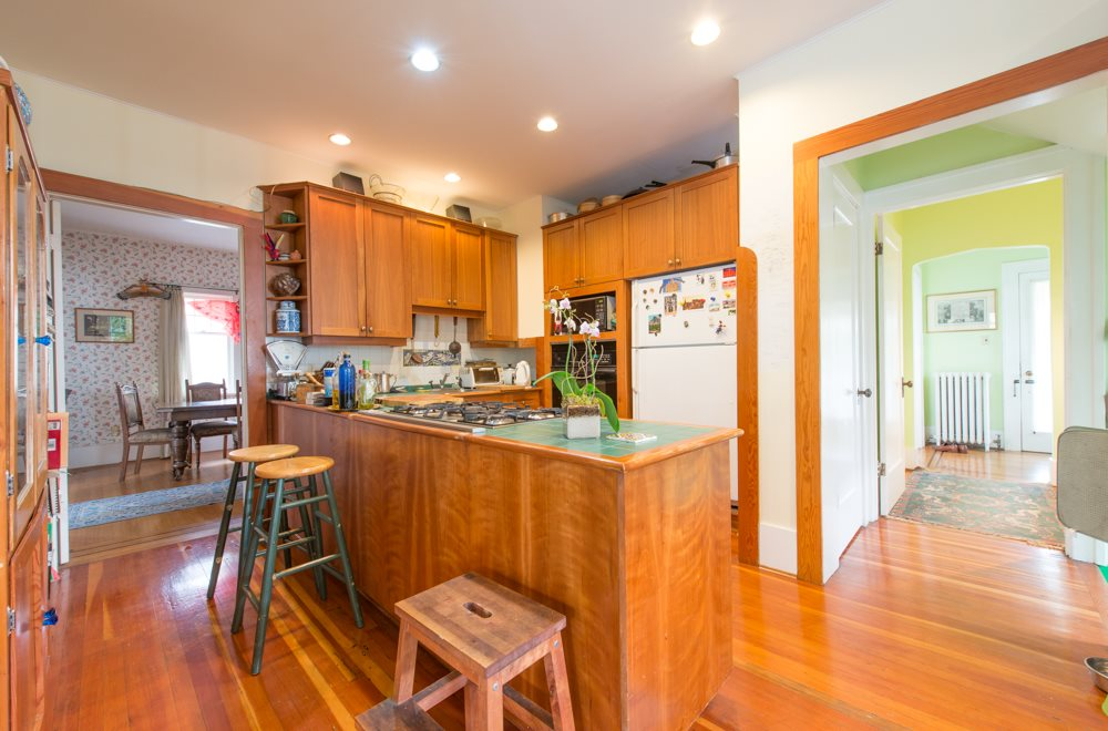 Photo 3: 5534 TRAFALGAR Street in Vancouver: Kerrisdale House for sale (Vancouver West)  : MLS(r) # R2030245