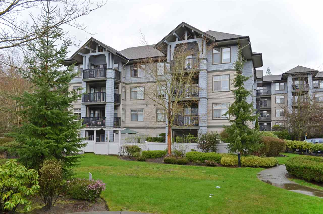 "Main Photo: 413 2988 SILVER SPRINGS Boulevard in Coquitlam: Westwood Plateau Condo for sale in ""TRILLIUM AT SILVER SPRINGS"" : MLS®# R2044484"
