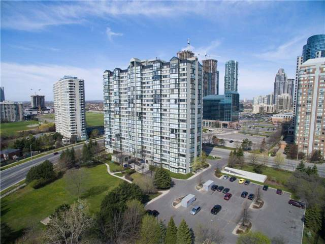 Main Photo: 1403 350 Webb Drive in Mississauga: City Centre Condo for sale : MLS® # W3485857