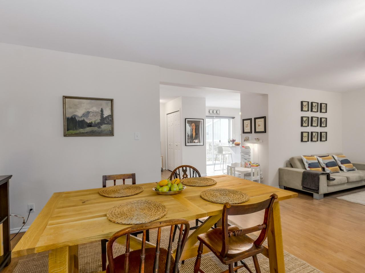 Photo 5: 122 MINER Street in New Westminster: Sapperton House 1/2 Duplex for sale : MLS(r) # R2081119