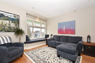 Main Photo: 326 W 11TH Avenue in Vancouver: Mount Pleasant VW Townhouse for sale (Vancouver West)  : MLS® # R2130098