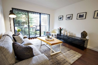 "Main Photo: 202 2120 W 2ND Avenue in Vancouver: Kitsilano Condo for sale in ""ARBUTUS PLACE"" (Vancouver West)  : MLS(r) # R2149940"