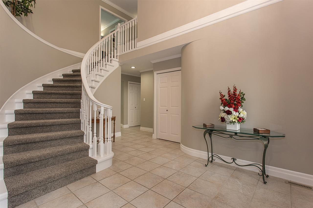 "Photo 3: 3688 COBBLESTONE Drive in Abbotsford: Abbotsford East House for sale in ""Creekstone On The Park"" : MLS(r) # R2168701"