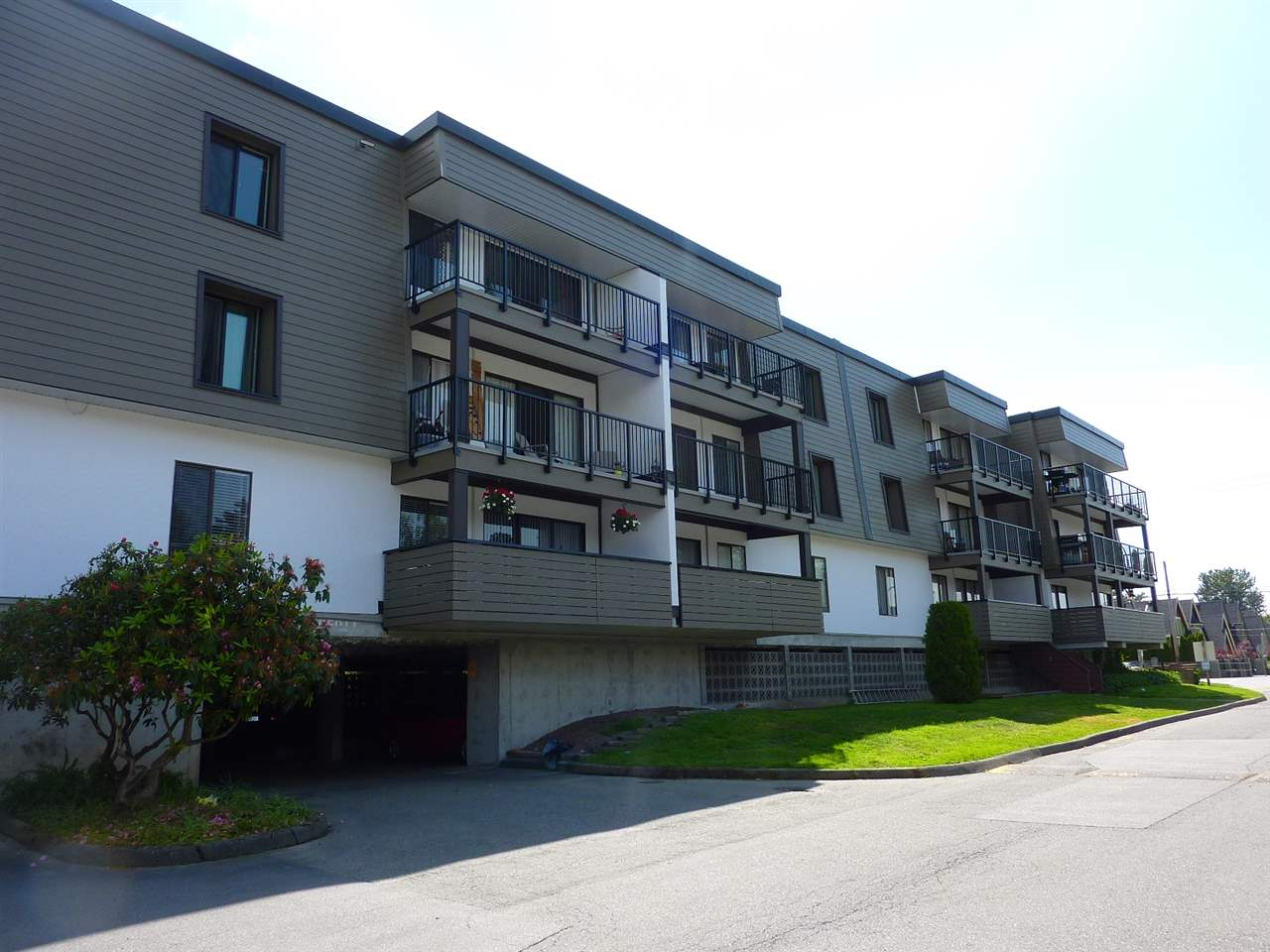 "Photo 20: 327 8860 NO 1 Road in Richmond: Boyd Park Condo for sale in ""APPLE GREEENE"" : MLS® # R2172635"