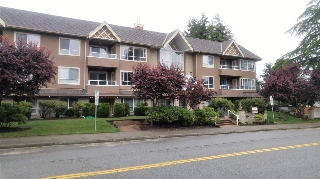 "Main Photo: 303 15375 17 Avenue in Surrey: King George Corridor Condo for sale in ""CARMEL PLACE"" (South Surrey White Rock)  : MLS(r) # R2180470"