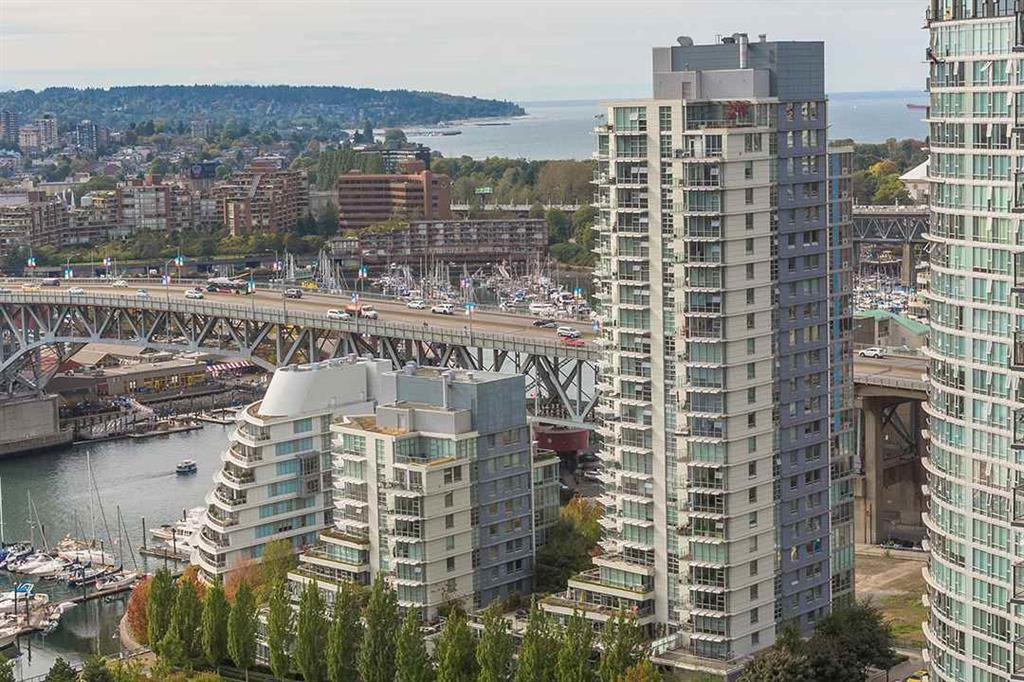 Main Photo: 3106 1408 N. Strathmore Mews in Vancouver: Yaletown Condo for sale (Vancouver West)  : MLS® # R2209317