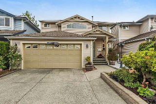 "Main Photo: 22 8675 209 Street in Langley: Walnut Grove House for sale in ""Sycamores"" : MLS® # R2213664"