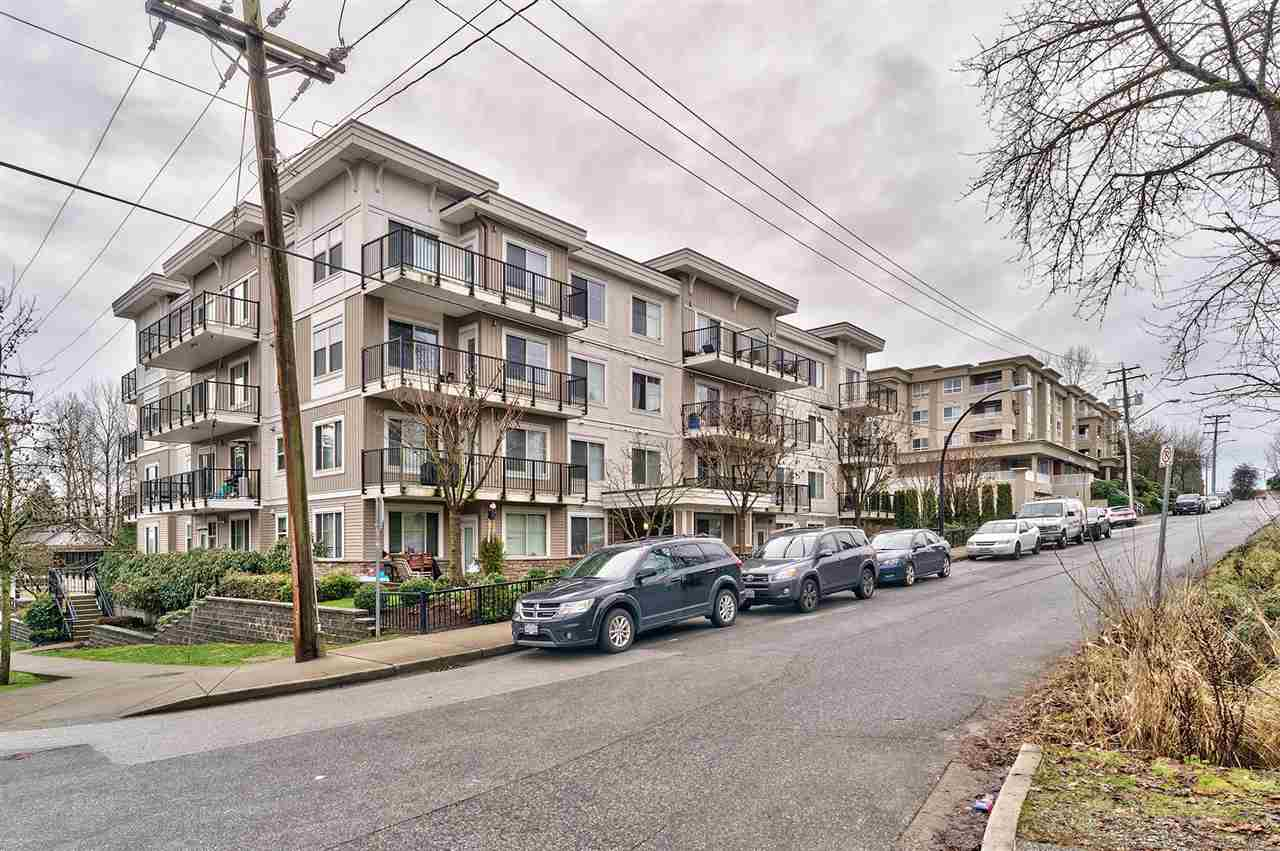"Main Photo: 303 22290 NORTH Avenue in Maple Ridge: West Central Condo for sale in ""SOLO"" : MLS® # R2232619"