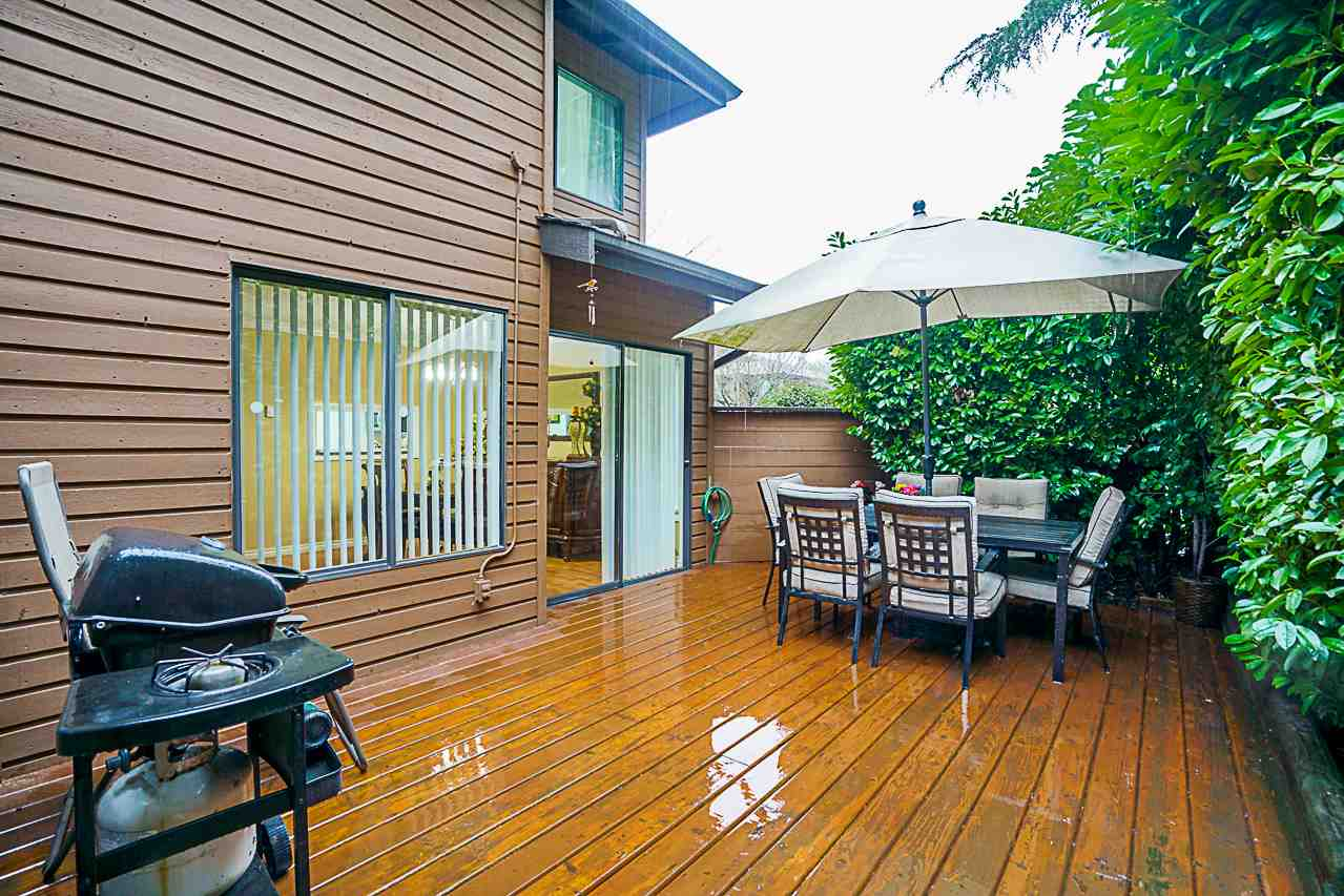 "Photo 19: Photos: 600 10620 150 Street in Surrey: Guildford Townhouse for sale in ""Lincoln's Gate"" (North Surrey)  : MLS® # R2235951"