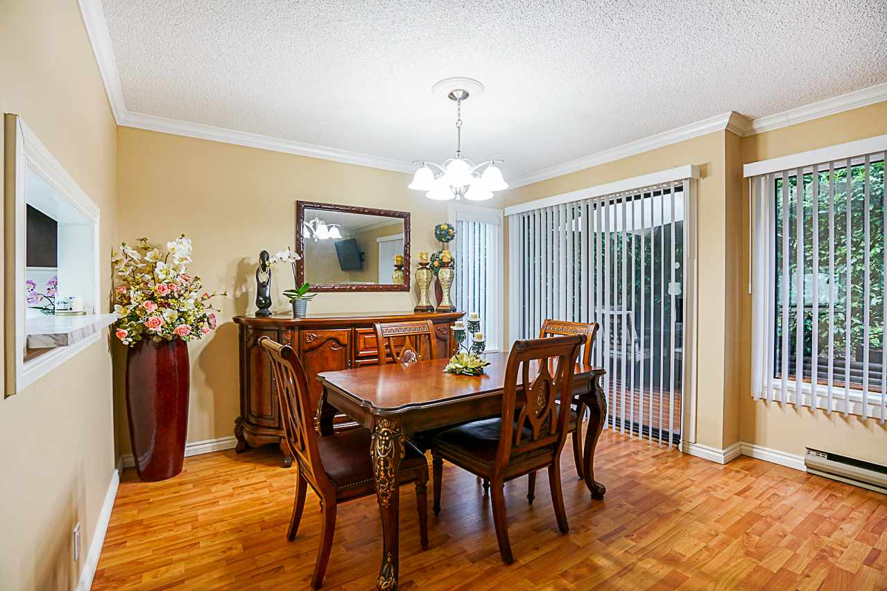 "Photo 8: Photos: 600 10620 150 Street in Surrey: Guildford Townhouse for sale in ""Lincoln's Gate"" (North Surrey)  : MLS® # R2235951"