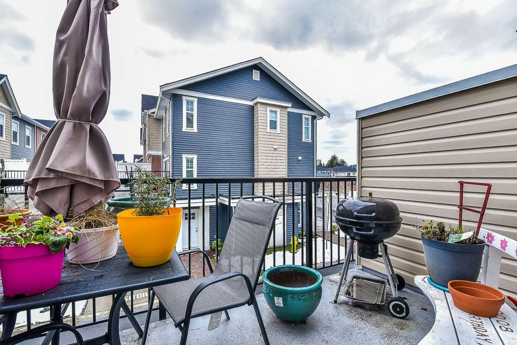 "Photo 19: Photos: 104 32789 BURTON Avenue in Mission: Mission BC Townhouse for sale in ""SILVER CREEK"" : MLS® # R2242269"