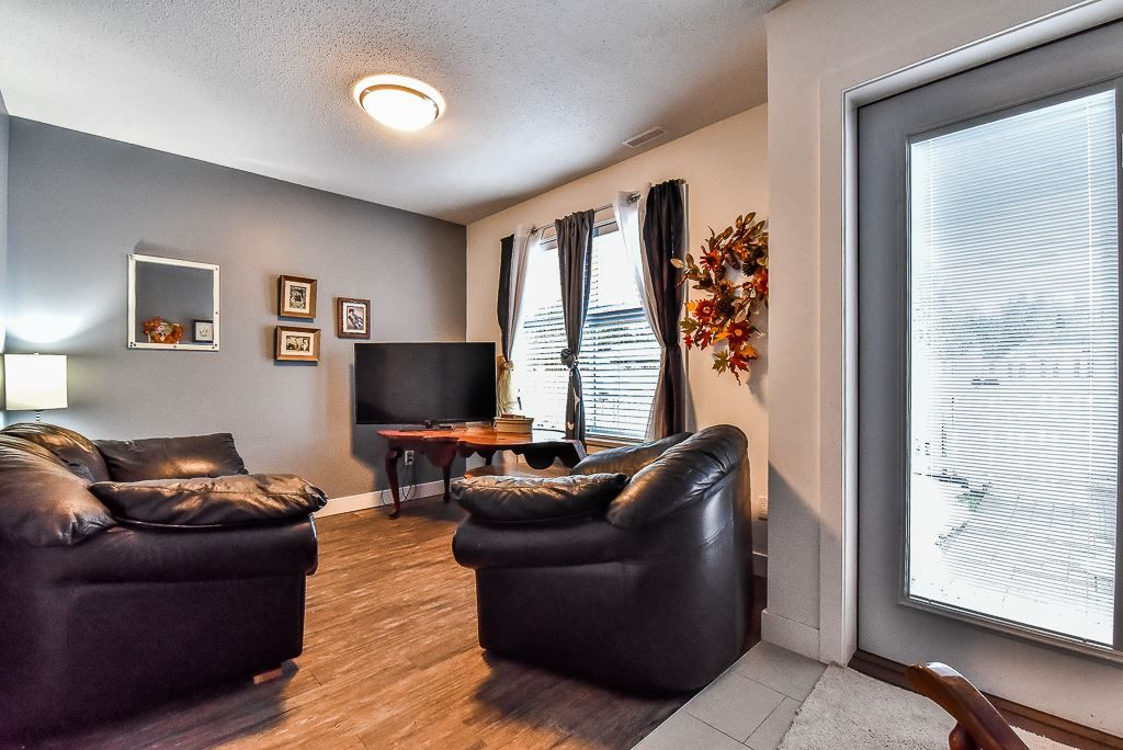 "Photo 18: Photos: 104 32789 BURTON Avenue in Mission: Mission BC Townhouse for sale in ""SILVER CREEK"" : MLS® # R2242269"
