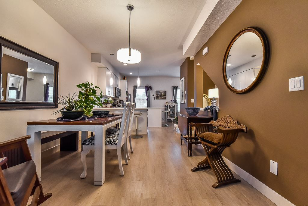"Photo 3: Photos: 104 32789 BURTON Avenue in Mission: Mission BC Townhouse for sale in ""SILVER CREEK"" : MLS® # R2242269"