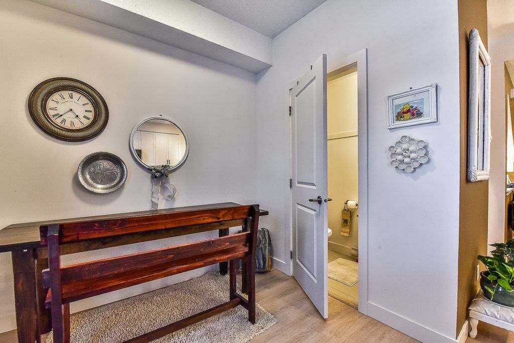 "Photo 8: Photos: 104 32789 BURTON Avenue in Mission: Mission BC Townhouse for sale in ""SILVER CREEK"" : MLS® # R2242269"