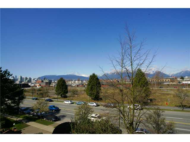 "Photo 7: 415 774 GREAT NORTHERN Way in Vancouver: Mount Pleasant VE Condo for sale in ""PACIFIC TERRACES"" (Vancouver East)  : MLS(r) # V880299"
