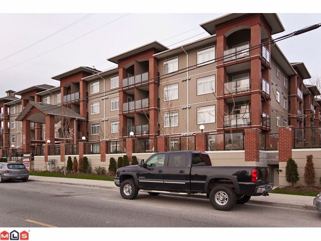 Main Photo: 410 5516 198TH Street in Langley: Langley City Condo for sale : MLS® # F1109740