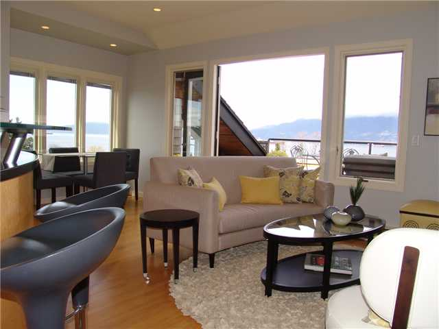 Photo 2: 2642 YORK Avenue in Vancouver: Kitsilano Condo for sale (Vancouver West)  : MLS® # V945336