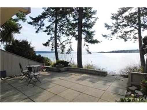 Main Photo: 13 2654 Lancelot Place in : CS Turgoose Residential for sale (Central Saanich)  : MLS® # 242904