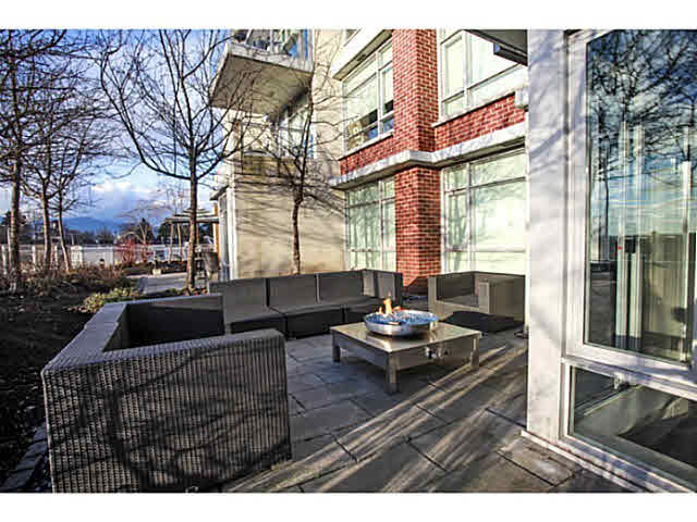 "Photo 2: 331 2288 W BROADWAY in Vancouver: Kitsilano Condo for sale in ""The Vine"" (Vancouver West)  : MLS(r) # V1053566"