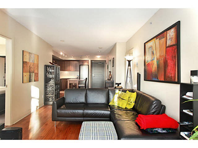 "Photo 7: 331 2288 W BROADWAY in Vancouver: Kitsilano Condo for sale in ""The Vine"" (Vancouver West)  : MLS(r) # V1053566"