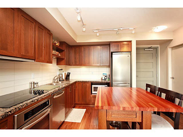 "Photo 10: 331 2288 W BROADWAY in Vancouver: Kitsilano Condo for sale in ""The Vine"" (Vancouver West)  : MLS(r) # V1053566"