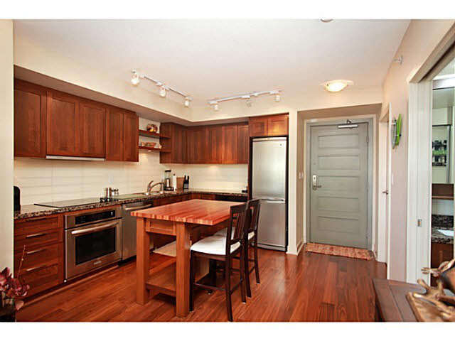"Photo 11: 331 2288 W BROADWAY in Vancouver: Kitsilano Condo for sale in ""The Vine"" (Vancouver West)  : MLS(r) # V1053566"