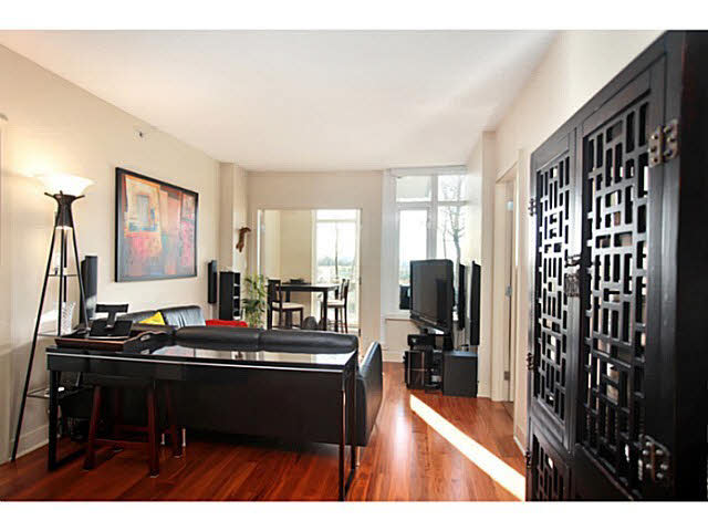 "Photo 4: 331 2288 W BROADWAY in Vancouver: Kitsilano Condo for sale in ""The Vine"" (Vancouver West)  : MLS(r) # V1053566"