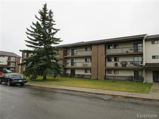 Main Photo: 209 215 Tait Place in Saskatoon: Wildwood Complex for sale (Saskatoon Area 01)  : MLS®# 516518