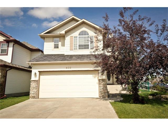 Main Photo: 832 SADDLECREEK Way NE in Calgary: Saddleridge House for sale : MLS® # C4020293