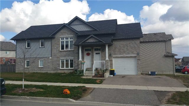 Main Photo: A&B 227 Countrystone Crest in Kitchener: House (1 1/2 Storey) for sale : MLS® # X3360591