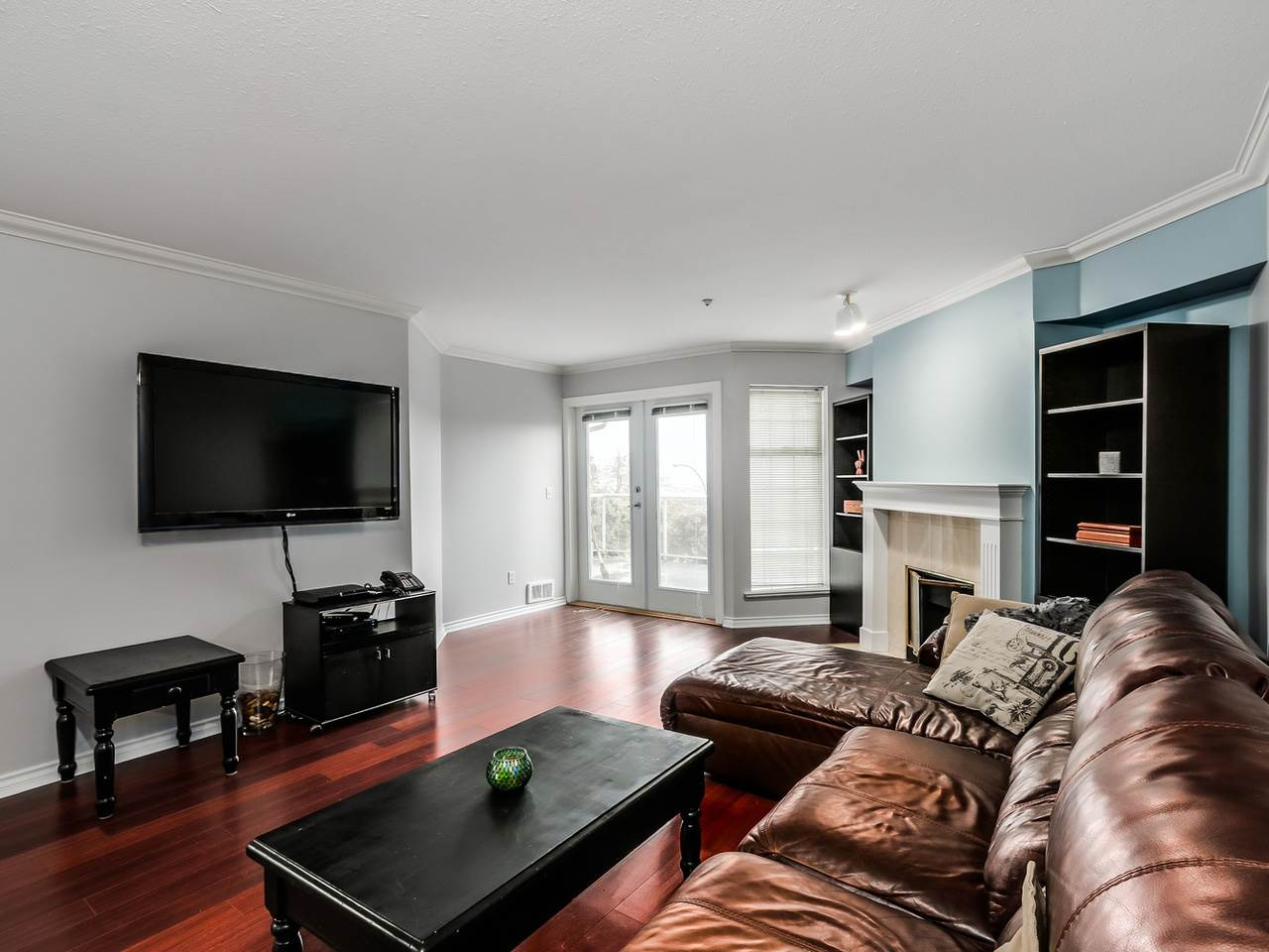 "Photo 4: 305 25 RICHMOND Street in New Westminster: Fraserview NW Condo for sale in ""FRASERVIEW"" : MLS(r) # R2031459"