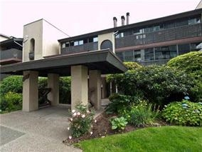 Main Photo: 101 141 W 13TH Street in North Vancouver: Central Lonsdale Condo for sale : MLS® # R2045697