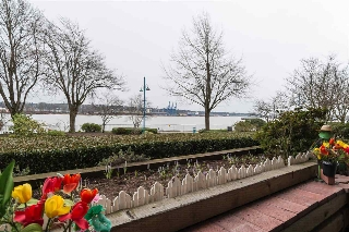 "Main Photo: 108 5 K DE K Court in New Westminster: Quay Condo for sale in ""QUAYSIDE TERRACE"" : MLS(r) # R2148479"