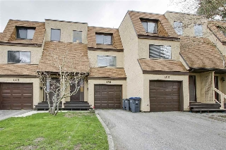 Main Photo: 109 9475 PRINCE CHARLES Boulevard in Surrey: Queen Mary Park Surrey Townhouse for sale : MLS® # R2155195