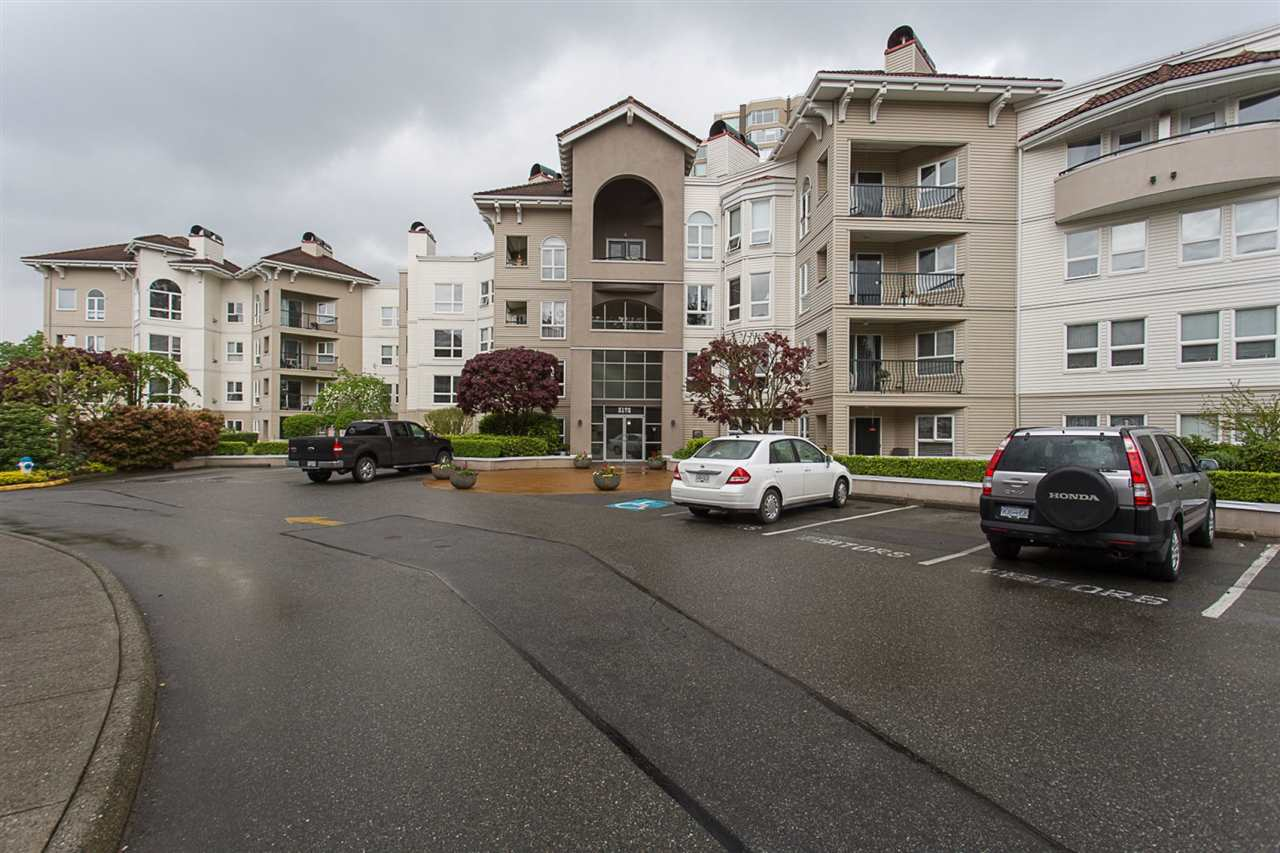 "Main Photo: 102 3172 GLADWIN Road in Abbotsford: Central Abbotsford Condo for sale in ""Regency Park"" : MLS® # R2164654"