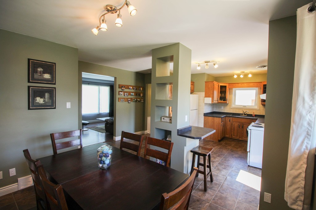 Photo 17: 129 Broad Bay - North Kildonan Bungalow for sale