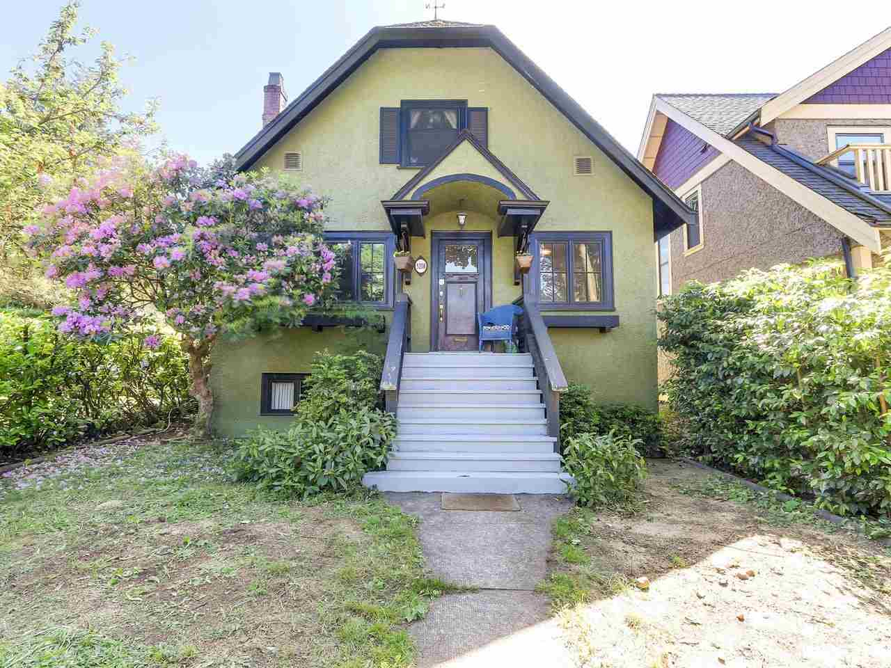 "Main Photo: 5208 DUNBAR Street in Vancouver: Dunbar House for sale in ""DUNBAR"" (Vancouver West)  : MLS® # R2174104"