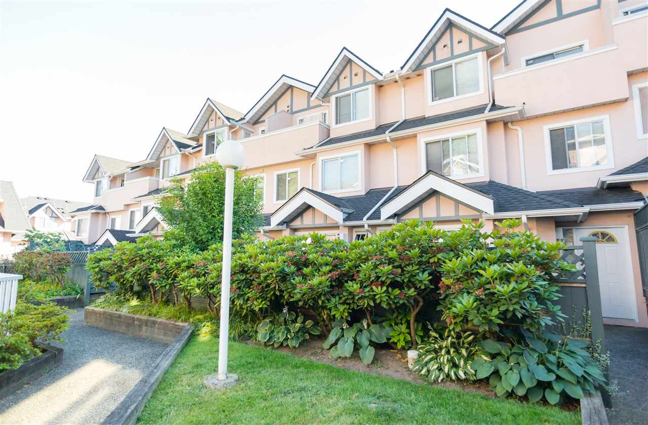 "Main Photo: 23 7433 16TH Street in Burnaby: Edmonds BE Townhouse for sale in ""VILLAGE DEL MAR"" (Burnaby East)  : MLS® # R2186151"