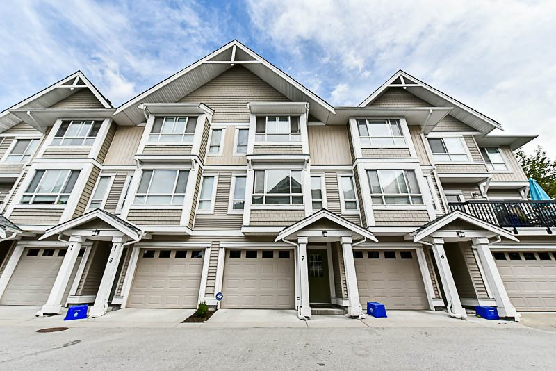 "Main Photo: 7 20159 68 Avenue in Langley: Willoughby Heights Townhouse for sale in ""Vantage"" : MLS® # R2187732"